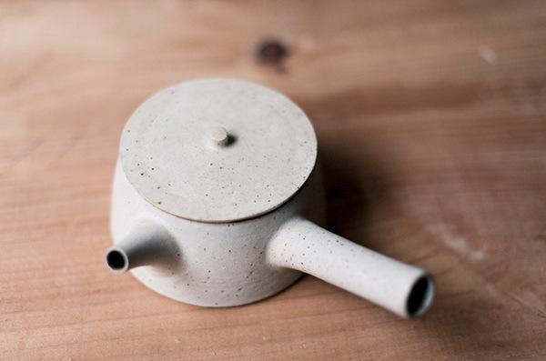创意 > 澳大利亚的日本设计师,陶艺师yoko ozawa的陶艺作品设计图片