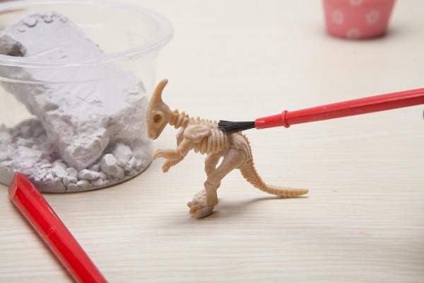 小玩童科技小制作-恐龙化石