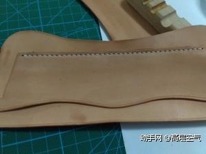 挖槽、粘贴、打斩、缝线,采用原版的4MM菱斩。