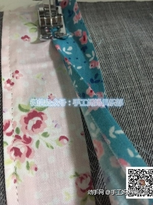 将碎布条如图缝制在表布上面
