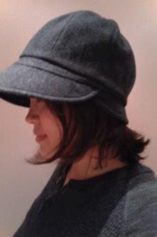 2012年冬天的帽子来得晚了些··