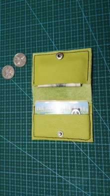 绿色软皮小钱夹 细节处理的不好,还需努力
