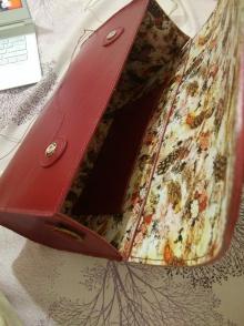 简约大红色手工包包