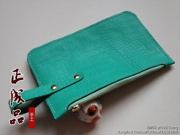 绿色鳄鱼纹手拿包
