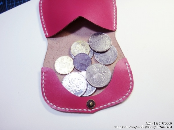 客人定制的枚红色零钱包(已售),售价80rmb,纪念下