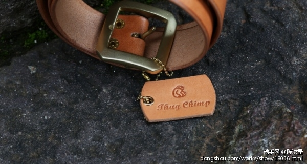 茶色枥木鞍革皮带