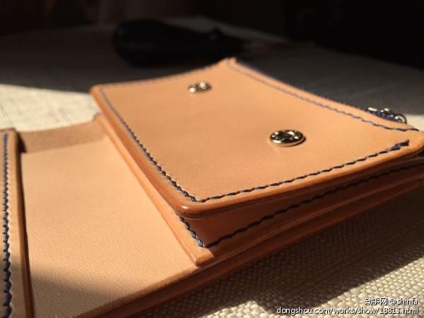三折原色植鞣革钱包