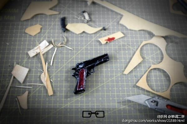 皮革版迷你M1911,小玩意把玩而已。 